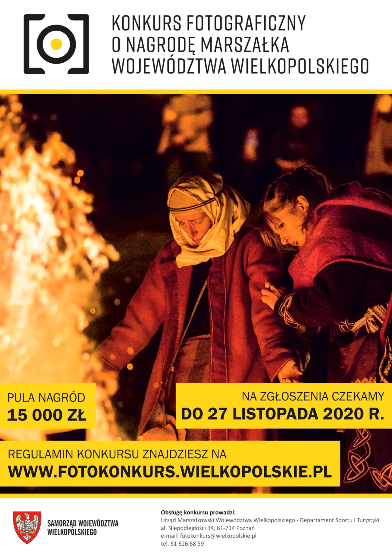 Na plakacie Konkurs Fotograficzny o Nagrodę Marszałka Województwa Wielkopolskiego. Na zdjęciu kobieta i mężczyzna stojący przy ogniu, prawdopodobnie w strojach z innej epoki.